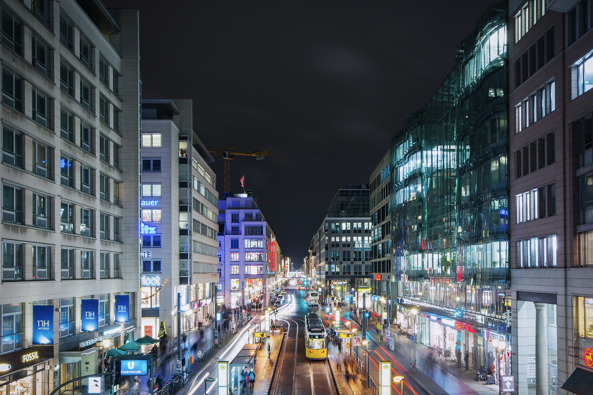Berlin Friedrichstraße bei Nacht